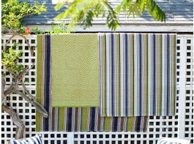 Dash & Albert Pond Stripe Indoor/ Outdoor Rug