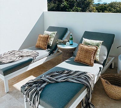 outdoor daybeds sun loungers