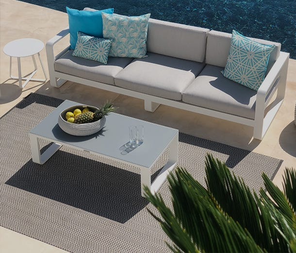 outdoor lounges sunshine coast